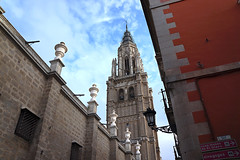 Catedral de Toledo (Miguel Angel Prieto Ciudad) Tags: sky city street travel church blue light clouds europe tower old tourism urban architecture cityscape building view sony spain cathedral duomo medieval arquitectura toledo basilica bell belfry campanile castilla la mancha sonyalpha sonyalphadslr