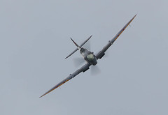 Spitfire Mk IX RR232 City of Exeter 005-1 (cwoodend..........Thanks) Tags: 2017 august2017 august airshow airbourne airbourne2017 spitfire rr232 spitfiremkix mkix mk ix rr232city exetergoodwood aerodromesupermarine eastbourne pier