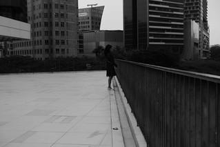 45-alone_lady