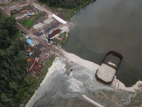 Wschodni brzeg Wisły na budowie Mostu Południowego (22.09.2017) z powietrza