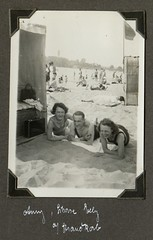 . (Kaïopai°) Tags: 1930s 1930er beach strand strandkorb sand badeanzug 1932 wannsee strandbad badesee