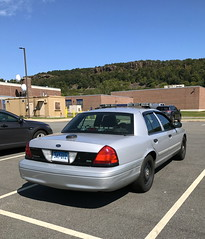 Connecticut State Police (10-42Adam) Tags: csp connecticut police statepolice trooper statetrooper connecticutstatepolice policecar policevehicle unmarked silver lawenforcement 911 ford crownvictoria crownvic fordcrownvictoria