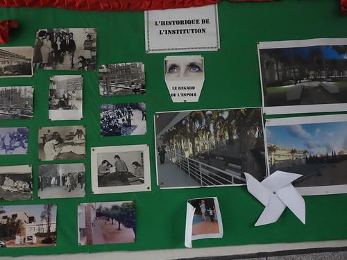 Des anciennes photos de l'école, avec la formation des jeunes filles notamment