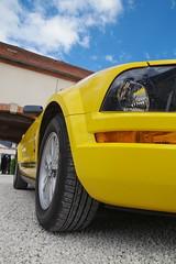 rêve américain (JPh A.) Tags: yellow jaune pentax mustang ford look car american tamron175028 saintsauveur burgundy bourgogne france dream v8