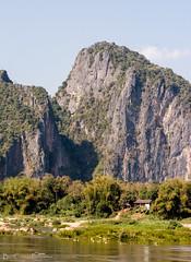 Mekong Karsts (Billy Clapham) Tags: laos mekongriver slowboat travel backpacking jungle forest hills mountains river boat nikond7100 karst karsts