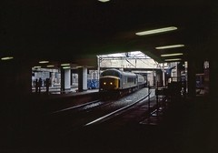 45009, Birmingham New Street, July 1985 (David Rostance) Tags: birmingham newstreet railwaystation 45009 class45 peak 45127