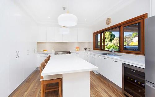 21 Caledonia Cr, Peakhurst NSW 2210