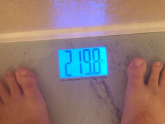 Hit the goal weight (earthdog) Tags: 2017 scale number lgenexus5x lge nexus 5x androidapp moblog cameraphone feet