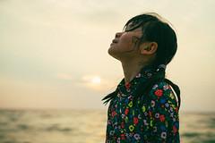 Feel the Sunset. (MichelleSimonJadaJana) Tags: carl zeiss planar t fe 50mm f14 za color sony ilce7rm2 α a7rii a7r ii full frame emount femount nex vsco documentary lifestyle snaps portrait childhood children girl jada jana 日本 japan 沖繩 okinawa