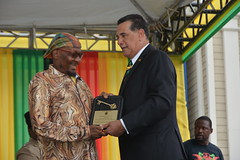 JIMMY CLIFF RECEIVES KEY TO MONTEGO BAY (JIS)