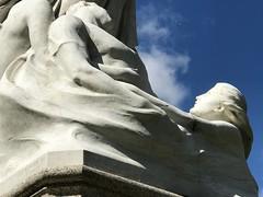 Titanic Memorial, Belfast City Hall (John D McDonald) Tags: thane titanicmemorial titanic memorial statue brock thomasbrock belfast belfastcityhall cityhall donegallsquare donegallsquareeast northernireland ni ulster geotagged iphone appleiphone 7 plusapple plus stone blus sky bluesky