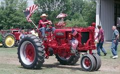Pioneer Steam and Gas Engine Show (rentavet) Tags: nikkormatel analog konicacenturia400asa saegertownpa pioneersteamgasenginesocietynwpa tractorshow farmall