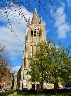 Ieper (25) Langs de Vestingen - Sint-Jacobskerk