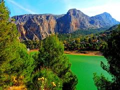 <Sierra de Huma> El Chorro (Málaga) (sebastiánaguilar) Tags: 2014 elchorro málaga andalucía españa paisajenaturaleza lagos pantanos montañas