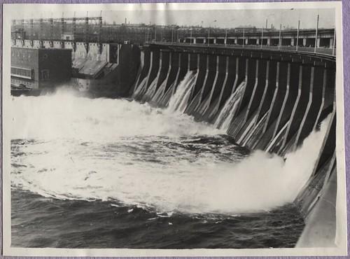 ЗАПОРОЖЬЕ - ZP105 сброс воды через плотину ДнепроГЭС PAPER1200 [Вовк В.Н.] ©  Alexander Volok