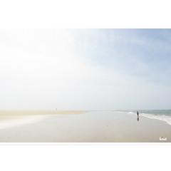 Solitary Beach (horstmall) Tags: lacoubre lesmathes charentemaritime plage beach strand bonneanse meer sea mer atlantique atlanticocean atlantik frankreich france summer sommer été vacances ferien holidays horstmall
