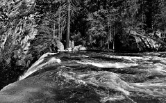 On the Edge of a Waterfall (Black & White, Yosemite National Park) (thor_mark ) Tags: nikond800e day5 triptopasoroblesandyosemite yosemitenationalpark lookingnorth capturenx2edited colorefexpro silverefexpro2 blackwhite outside trees hillsideoftrees nature landscape vernalfall waterfalls waterfall mercedriver river mountains mountainsindistance mountainsoffindistance pacificranges sierranevada yosemiterittersierranevada centralyosemitesierra yosemitevalley misttrail morninghiketovernalfall edgeofwaterfall project365 portfolio california unitedstates