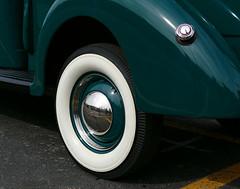1940 Ford V8 (Colorado Sands on autumn break) Tags: 1040 ford v8 american denver colorado usa sandraleidholdt stpatricksdayparade 2016 stpatricksparade green car vehicle automobile vintage whitewall wheel tire