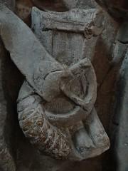 ca. 1345-1350 - 'knight, probably Werner Falk(e) (Falcke) von Munsweiler (+after 1333)', Église Notre-Dame de l'Assomption, Rouffach, dép. Haut-Rhin, France (RO EL (Roel Renmans)) Tags: 1340 1345 1350 knight ritter ridder chevalier caballero werner falk falke falcke rouffach elzas alsace elzass church église kirche kerk iglesia armor armure armour harnas harnisch rüstung armadura armatura bascinet bacinet camail aventail coatofplates plattenrock hauberk kettenhemd cotte de mailles vervelles heaume great helm helmet topfhelm gran yelmo poleyn surcotte surcoat wappenrock waffenkleid waffenrock mamelieres chain ketten sword dagger notre dame l assomption tomb effigy tombeau grabmal efigie grafbeeld statue belt epee gauntlet buckle