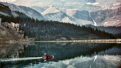 Entrando en otros mundos (Miradortigre) Tags: canada alberta lake lago bow wild salvaje nationalpark banff