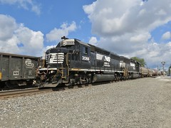 Norfolk Southern Chicago Line / MP 463 West (codeeightythree) Tags: ns norfolksouthernchicagoline norfolksouthernrailroad norfolksouthern laporte laporteindiana laportecountyindiana doublemainline classonerailroad freighttrains freight trains train transportation