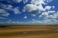 Oléron (marc.fray) Tags: saintgeorgesdoléron nouvelleaquitaine france fr oléron oleron iledoléron plage fortboyard charentemaritime fortdudouhet ansedelamaleconche nuages mer océan maréebasse