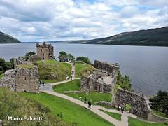 Scotland (United Kingdom): Urquhart Castle and Loch Ness (mariofalcetti) Tags: unitedkingdom scotland urquhartcastle castle castello lake water acqua landscape lochness lago