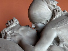 Kiss of Death (ashabot) Tags: milan milano sad love loss italy art sculpture beauty beautiful death grief grieving seperation eternal travel monumentcemetery cimiteromonumentale monuments monument lovers kiss thekiss kissofdeath