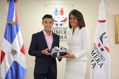 """Cándida Montilla recibió esta tarde a diez jóvenes galardonados con el Premio al Mérito Escolar. • <a style=""""font-size:0.8em;"""" href=""""http://www.flickr.com/photos/137394602@N06/35574438014/"""" target=""""_blank"""">View on Flickr</a>"""