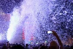 Capturing the Moment (Alex L'aventurier,) Tags: montreal montréal quebec gratteciel night nuit show spectacle people crowd feathers plumes cell cellulaire phone scree écran festive light lumière art foule man homme festival 375e