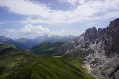 Blick von der Rosszahnscharte 2490m - unbearbeitet - untreated (Günter Hickstein) Tags: südtirol seiseralm rosszahnscharte berg gebirge montain panorama italien urlaub vacation summer