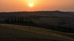 Morgens um sieben... (Nikonfotografie) Tags: italien italy toskana tuscany sun sonnenaufgang morgens urlaub unterwegs europa europe ontour sunrise nikon nikond7100 panorama sonnenschein landschaft landscape landschaftsfotografie natur nature bestofnature