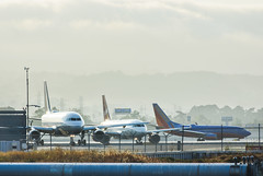 take off power point (pbo31) Tags: bayarea california nikon d810 color august summer 2017 boury pbo31 northerncalifornia sanfranciscointernational sfo airport sanmateocounty sunset travel airline aviation plane flight bay millbrae taxi runway united virginamerica southwest 737 takeoff departure