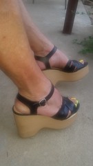 20170803_071614 (2moshoes) Tags: clog clogs backstrap nailpolish male man malefeet sandals platform polish wood swedish strappy