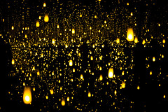 Infinity Lights (jgottlieb) Tags: seattle art museum sam yayoi kusama infinity mirrors exhibit yellow floating lights dark room silhouettes leica mp typ 240 35mm summilux fle