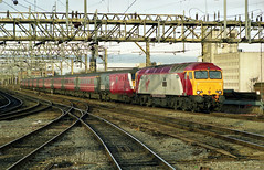 57310 leads 82122 into Stockport Station on 21-12-03. Copyright Ian Cuthbertson (I C railway photo's) Tags: class57 57310 virgin stockport drag