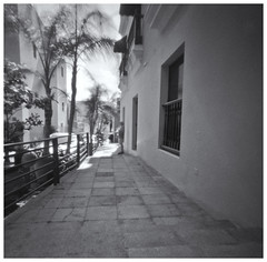 Fotografía Estenopeica (Pinhole Photography) (Samy Collazo) Tags: aristaedu400 pinhole7214x214 pinhole03mm niksilverefexpro2 lightroom3 camaraestenopeica pinholephotography estenopo pinhole fotografiaestenopeica sanjuan oldsanjuan viejosanjuan puertorico bn bw