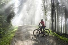Hacia Pol-pol (Jabi Artaraz) Tags: jabiartaraz jartaraz zb euskoflickr polpol anboto bicicleta paseo osteratxoa kirola sport deporte verano light luz acción