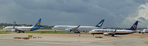Gatwich airliners