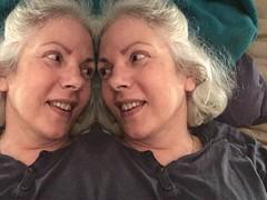 Buenas noches querida (Kay Harpa) Tags: photobooth selfie twins thebiggestgroup