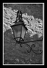 Casa en ruinas (J.Gargallo) Tags: rubielosdemora teruel aragón españa faroles farolas farol forja hierro framed blancoynegro blackwhite blackandwhite byn bw blanconegro canon canon450d canonefs18200 eos eos450d 450d