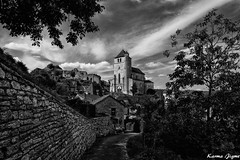 Saint-Cirq-Lapopie (karmajigme) Tags: saintcirqlapopie lot quercy occitanie france travel village monument blackandwhite monochrome noiretblanc landscape nikon