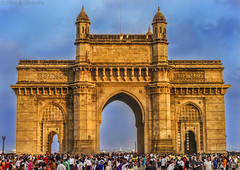 Gateway of India (mihir_dhandha) Tags: gatewayofindia architecture indianarchitecture apollobunder mumbai bombay public kinggeorgev kgv queenmary canon canonindia canoneos7d canonkitlens canon18135