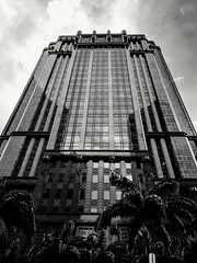 Singapore's own Gotham City building (Catriona Ward) Tags: singapore gotham gothamcity artdeco parkviewsquare blackandwhite bw