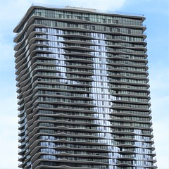 Chicago, Aqua Tower, 2009 (Architect: Jeanne Gang) (Mary Warren (9.0+ million views)) Tags: chicago architecture building skyscraper aquatower jeannegang glass balconies blue