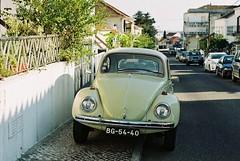F1000002 (saracarodrigues) Tags: pentax spotmatic asahipentaxspotmatic fujicolor200 setubal portugal 1stroll experience car old
