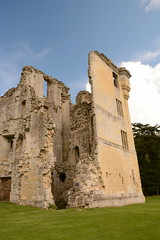 DSC_1721 (amoamas07) Tags: oldwardourcastle englishheritage castle ruin