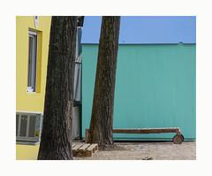L'invention de la roue (hélène chantemerle) Tags: paysage urbain couleurs roues landscape urban colors wheels