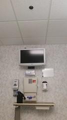 Cox South Hospital (Adventurer Dustin Holmes) Tags: 2017 tv television hospital room coxsouth coxhospital coxsouthhospital medical examroom surgerywaiting