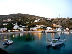 When the evening falls at Agathonisi, Greece / Γλυκοβραδιάζει στο λιμανάκι του Αγαθονησίου (Ath76) Tags: αγαθονήσι δωδεκάνησα αιγαίο λιμάνι παραλία γαλήνη καλοκαίρι europe europa mediterranean mittelmmer méditerranée egée iles grèce dodecanese greece hellas greek islands agathonisi summer beach harbour blue hour aegean sea dodécanèse égée
